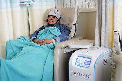 Patient scalp cooling with Paxman System